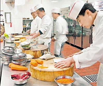 韩国酒店招聘厨师、帮厨、正规工签有提成有小费