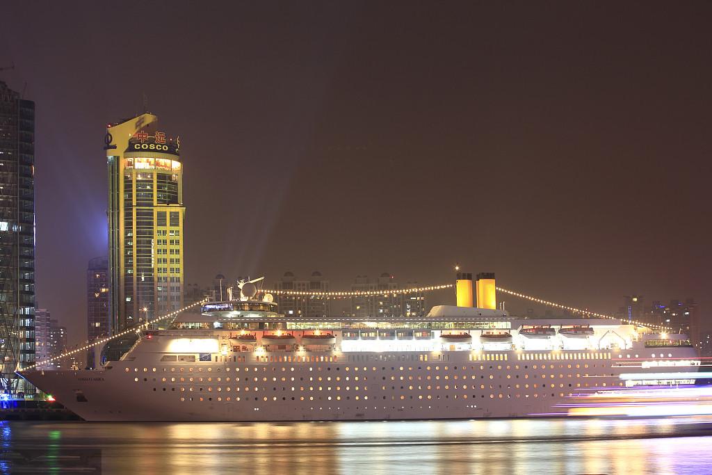 游轮海乘服务生招聘,包食宿,小费高,免费周游世界